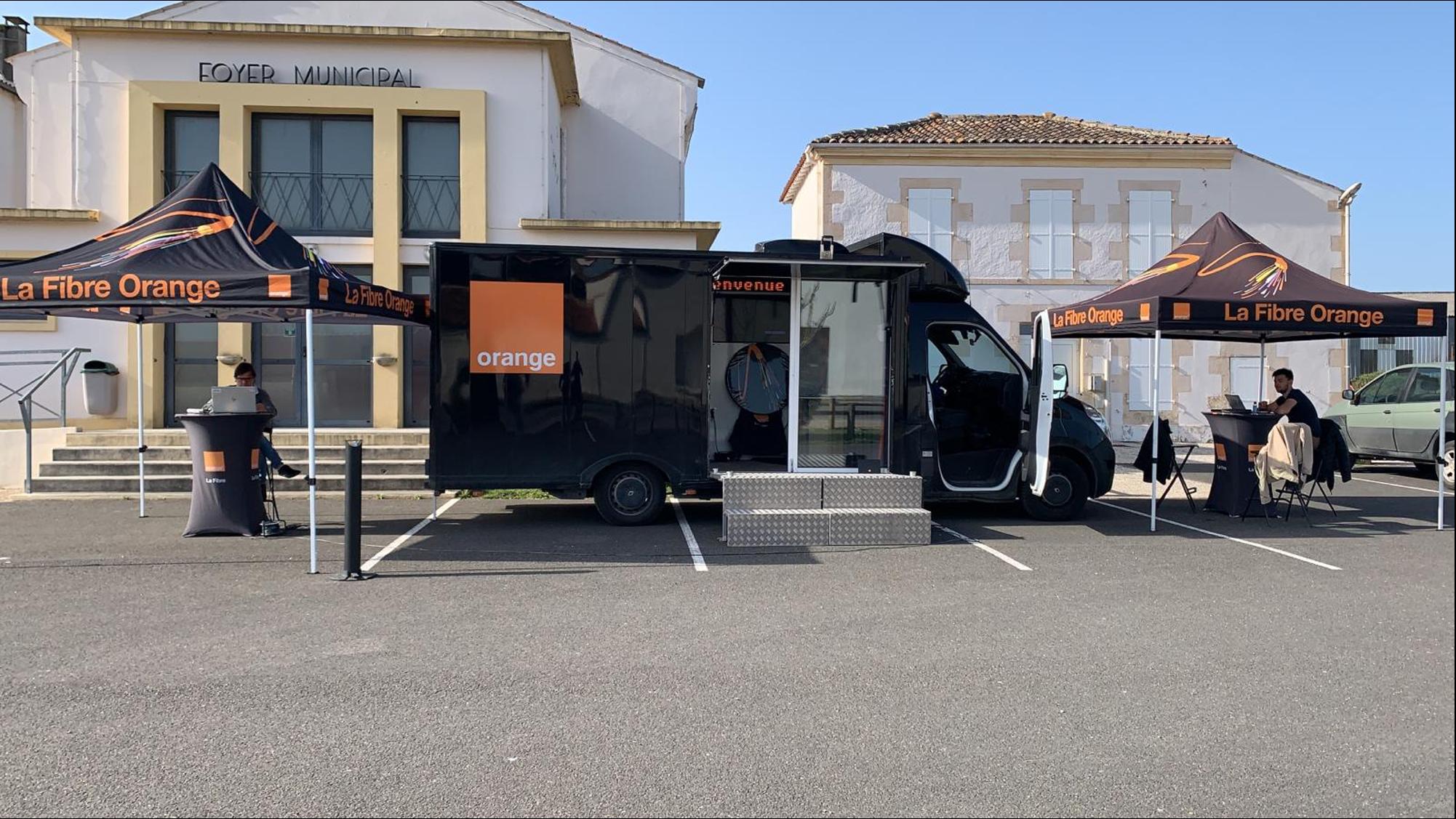 Tournée Orange truck